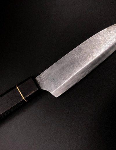 japanisches Küchenmesser aus 160 Lagen Damast mit Griff aus Eiche