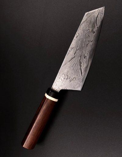 Japanisches Küchenmesser aus 60 Lagen Damast mit Griff aus Palisanderholz