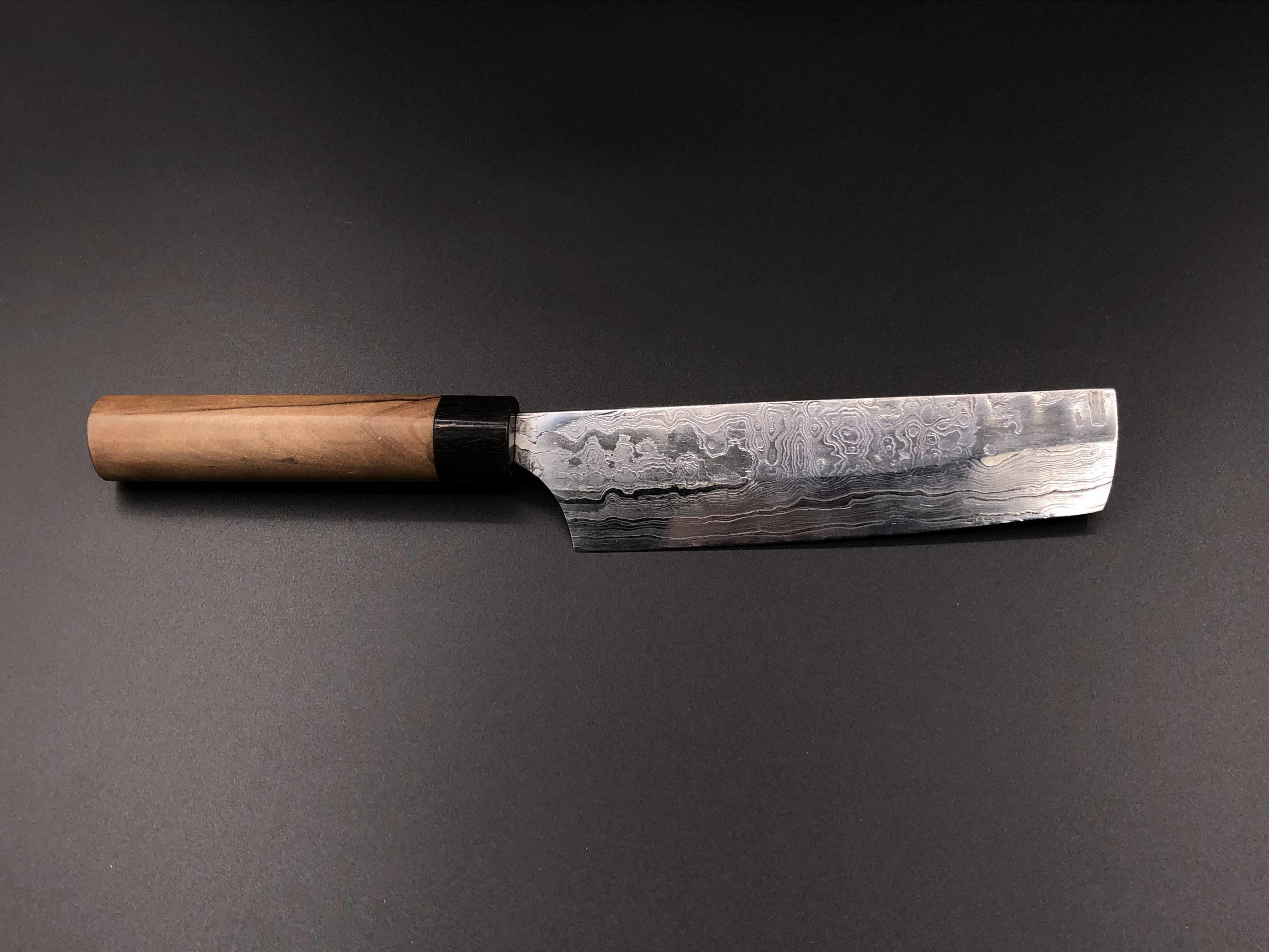Japanisches Kuechenmesser aus 120 Lagen Damast mit Griff aus Eibe und Geweih